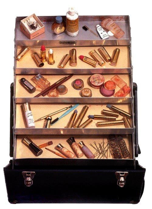 marilyn-monroes-vintage-makeup-case